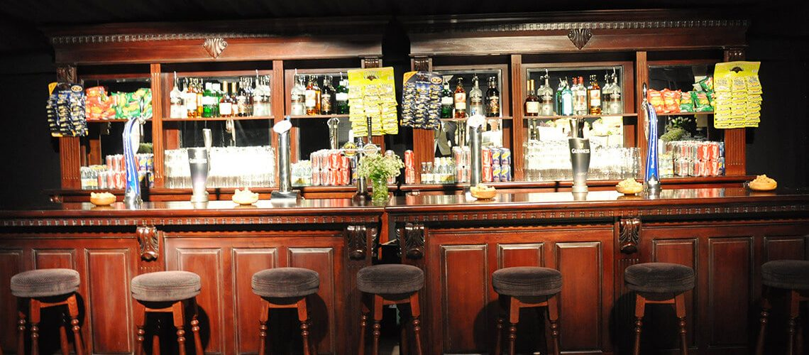 1-hero-traditional-pub-bar